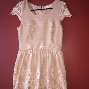 Juniors small dress in blush gently used